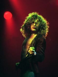 Robert Plant of Led Zeppelin Robert Plant Led Zeppelin, John Paul Jones, John Bonham, Jimmy Page, Great Bands, Cool Bands, Houses Of The Holy, Whole Lotta Love, Greatest Rock Bands
