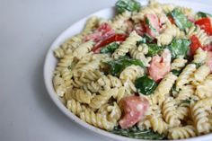 Pasta Salade Spinazie - http://www.pizza.nl/recepten/gezond-doen/pasta-salade-spinazie