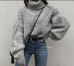 10 Must-See Cities In Europe - Tuathhan Uni Outfits, Casual Fall Outfits, Winter Fashion Outfits, Simple Outfits, Trendy Outfits, Fashion Ideas, Big Sweater Outfit, Sweater Fashion, Mens Sweater Outfits