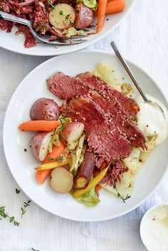 Slow Cooker Corned Beef and Cabbage | foodiecrush.com #crockpot #recipe #slowcooker #traditional #easy