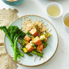 A healthier WW recipe for Salmon, zucchini and asparagus skewers ready in just Get the SmartPoints value plus browse other delicious recipes today! Ww Recipes, Salmon Recipes, Chicken Recipes, Healthy Recipes, Teriyaki Marinade, Tortilla Soup, Salmon Fillets, Chicken Tacos, Recipe Today