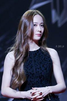 151202 Krystal MAMA Krystal Fx, Jessica & Krystal, Jessica Jung, Krystal Jung Fashion, Idol, Beautiful Celebrities, Bellisima, Hair Hacks, Korean Girl Groups