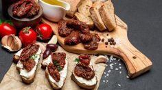 Pripravte si sušené paradajky Tacos, Dairy, Cheese, Ethnic Recipes, Food, Essen, Meals, Yemek, Eten