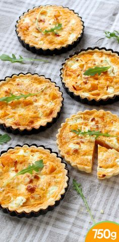 Butternut Tartlets and Goat Cheese - Cuisine - Tartes Salees Veggie Recipes, Diet Recipes, Healthy Recipes, Salty Foods, Food Tags, Appetisers, Winter Food, I Foods, Entrees