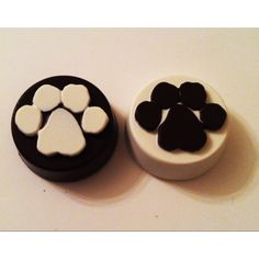 Dog paw chocolate covered Oreos