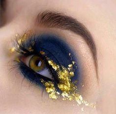 Gold Makeup, Makeup Art, Beauty Makeup, Gray Eye Makeup, Fire Makeup, Metallic Makeup, Makeup Inspo, Makeup Inspiration, Makeup Tips