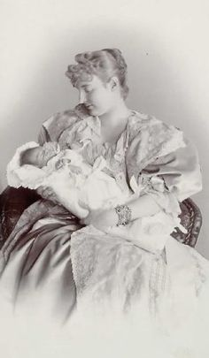Pss Margarethe von Thurn und Taxis (nee Gdd Of Austria-Teschen) with son Josef Albretch (who died infant) or Karl August Prince Albert, 7 Prince, Young Prince, Prince And Princess, Antique Photos, Old Photos, German Royal Family, Thurn Und Taxis, Royal Monarchy