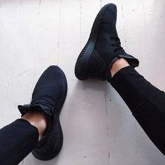Black Sneakers 2017 (1)