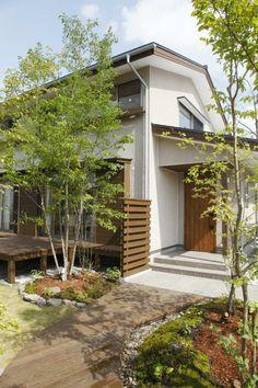 だんだん~まるで4階建ての家~ Japanese Home Design, Japanese House, Japan Modern House, Entrance Design, Private Garden, Facade House, Raised Garden Beds, House Front, Garden Planning