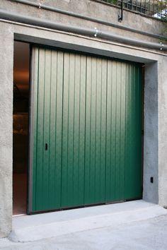 Portone Scorrevole Civile Garage Doors, Curtains, Outdoor Decor, Home Decor, Insulated Curtains, Homemade Home Decor, Blinds, Draping, Decoration Home