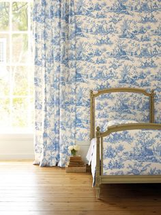 Toile wallpaper and fabric by Manuel Canovas