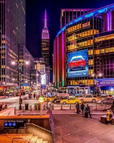 ☆C☆ New York Pictures, City Aesthetic, Nyc, I Love Ny, City That Never Sleeps, Dream City, Most Beautiful Cities, City Buildings, Night Life
