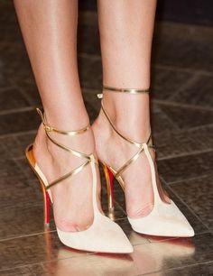 Editors' Picks: 23 Fabulous Wedding Shoes - MODwedding Wedding shoes    Aisle Perfect #weddingshoes