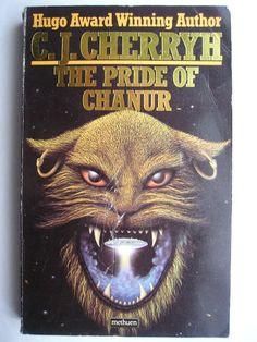 """Il romanzo """"L'orgoglio di Chanur"""" (""""The Pride of Chanur"""") di C.J. Cherryh è stato pubblicato per la prima volta nel 1981. È il primo romanzo del ciclo di Chanur. In Italia è stato pubblicato dall'Editrice Nord nel n. 157 di """"Cosmo Argento"""" nella traduzione di Sandro Sandrelli e Giampaolo Cossato. Copertina di un'edizione britannica. Clicca per leggere una recensione di questo romanzo!"""