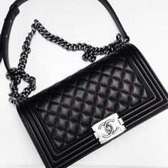I want this Chanel boy bag so bad! Can I have it please?!