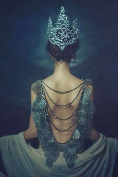 Read Princesas from the story FOTOS by QuenKendal (Letícia Rodrigues) with reads. Fantasy Photography, Fashion Photography, Jewelry Photography, Mode Inspiration, Character Inspiration, Fantasy Inspiration, Writing Inspiration, Foto Art, Drawing Hair