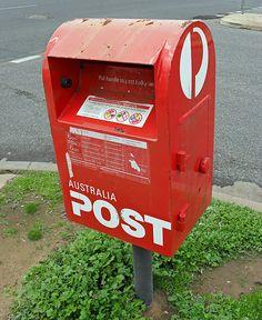 Ficheiro:Australia Post box.jpg