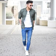 Spring casual style.