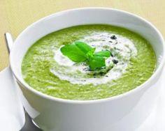 Velouté de courgettes et poireaux au lait : http://www.fourchette-et-bikini.fr/recettes/recettes-minceur/velout-de-courgettes-et-poireaux-au-lait.html