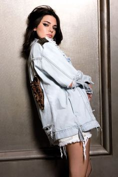View Kendall jenner outfits, Jenners y Personalities style. Kendall Jenner Photoshoot, Kendall E Kylie Jenner, Kylie Jenner Body, Kendall Jenner Outfits, Kardashian Jenner, Kourtney Kardashian, Kendall Jenner Modeling, Estilo Jenner, Double Denim
