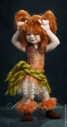 Коллекционные куклы ручной работы. Ярмарка Мастеров - ручная работа Авторская войлочная кукла Маленькая Разбойница. Handmade.