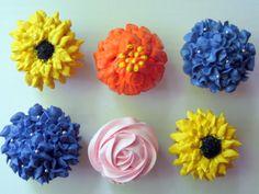 mini cupcake flower   Spring Flower Cupcakes for Teacher Appreciation Week   Sweet ...