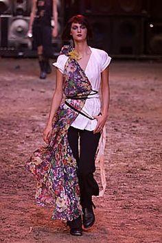 Jean Paul Gaultier Spring 2001 Ready-to-Wear Fashion Show - Jean Paul Gaultier, Kasia Pysiak