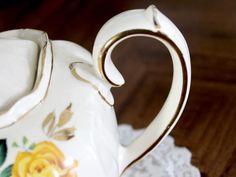 Sadler Cube Teapot, Pink & Yellow, Cabbage Roses Motif, Sadler T – The Vintage Teacup Tea Pot Set, Pot Sets, Cabbage Roses, Old World Charm, Pink Yellow, Teapot, 1930s, Cube, Tea Cups