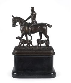 An English hunt scene statue with horse and rider summoning hounds, cast bronze on wooden plinth, 19th century, 46cm high… / MAD on Collections - Browse and find over 10,000 categories of collectables from around the world - antiques, stamps, coins, memorabilia, art, bottles, jewellery, furniture, medals, toys and more at madoncollections.com. Free to view - Free to Register - Visit today. #Bronze #DecorativeArts #MADonCollections #MADonC