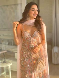 Kiara Advani Enthrals in a Mirror Embellished Ensemble For a Sangeet Ceremony Indian Ethnic Wear Indian Gowns Dresses, Indian Fashion Dresses, Dress Indian Style, Indian Designer Outfits, Designer Ethnic Wear, Pakistani Designer Suits, Dresses Dresses, Dance Dresses, Indian Attire