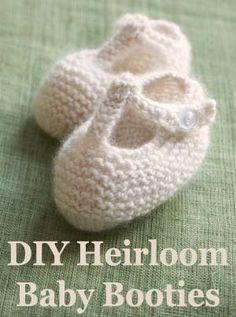 How to Customize Heirloom Baby Booties #DIY #knit #crochet