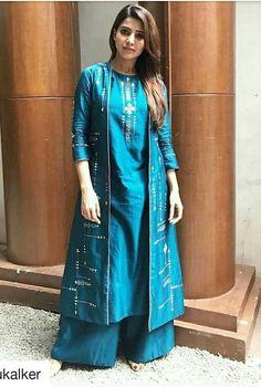 Latest Top HD Stills of Samantha Actress Samantha Latest Photo Silk Kurti Designs, Salwar Designs, Kurta Designs Women, Saree Blouse Designs, Indian Attire, Indian Wear, Indian Outfits, Indian Style, Indian Gowns Dresses