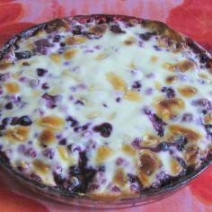 Valkosuklainen marjarahkapiiras - Kotikokki.net - reseptit Pudding, Desserts, Food, Tailgate Desserts, Deserts, Essen, Puddings, Dessert, Yemek