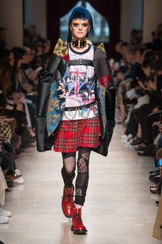 Junya Watanabe Fall 2017 Ready-to-Wear Collection Photos - Vogue Fashion Moda, Bold Fashion, Dark Fashion, Fashion Week, Fashion 2017, Couture Fashion, Runway Fashion, High Fashion, Fashion Show