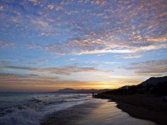 https://flic.kr/p/TQGbjB | Colores del atardecer | La costa del Mediterráneo al atardecer, Marbella, España.