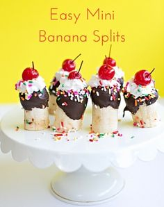 These delicious mini banana splits are a fun treat to serve kids for any party. They're bite-sized and so festive that they're the perfect kid-friendly recipe! Try sprinkling on Rice Krispies® cereal for added crunch and flavor. Birthday Treats, Party Treats, Birthday Parties, Banana Split, Cake Pops, Delicious Desserts, Dessert Recipes, Healthy Desserts, Dessert Ideas