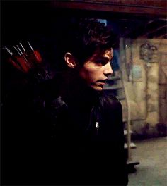 "candzk-25: ""Alec closeups covered in blood & shooting his arrows in 2x19 (for @sfjessii) """