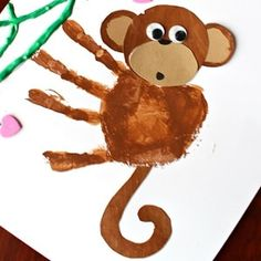 25 Mischievous Monkey Crafts For Kids - Valentine's Days / Valentinstag Kids Crafts, Summer Crafts For Toddlers, Toddler Crafts, Preschool Crafts, Home Crafts, Art For Kids, Kinder Valentines, Valentine Day Crafts, Christmas Wood