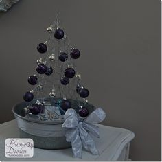 How to make Chicken wire Christmas trees- galvanized tub- PlumDoodles.com