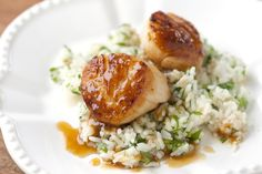 Scallops with Apricot Sauce! 1) Sounds amazing 2) There's a step by step pictorial telling you how to do everything! 3) Only a handful of ingredients