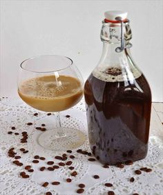 How to Make Kombucha Coffee (Recipe & Tips) Kombucha Benefits, Kombucha Scoby, Coffee Kombucha, Kombucha Recipe, Coconut Recipes, Tea Recipes, Coffee Recipes, Recipies, Coconut Oil Coffee
