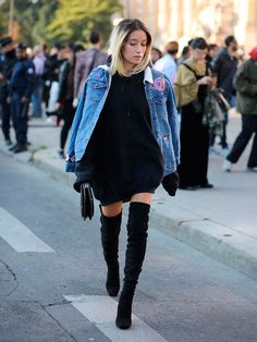 Alexandra Guerain shows how to be chic, and on trend, during pregnancy. She wears an embroidered denim jacket with roses and butterflies across the sleeves and the shoulders. This is paired with an oversized black pull dress with its extra-long. Womens Fashion For Work, Look Fashion, Daily Fashion, Winter Fashion, Fashion Outfits, Fashion Trends, Fashion Photo, Fashion Beauty, Simple Outfits