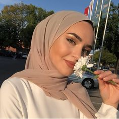 Hijab Fashion Summer, Modern Hijab Fashion, Muslim Fashion, Fashion Outfits, Hijab Fashionista, Hijabi Girl, Girl Hijab, Casual Hijab Outfit, Hijab Chic