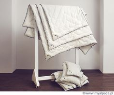 Możesz również zamówić kołdry i poduszki o specjalnych wymiarach, a my uszyjemy je dla Ciebie na zamówienie.