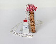 Leche y galletas Cookies en un tarro de collar por Dleesnow