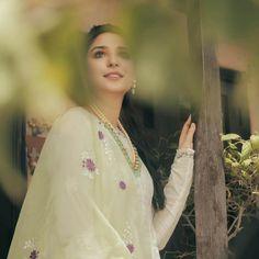 Pakistani Girl, Pakistani Actress, Bollywood, Cable, Fans, Actresses, Club, Actors, Celebrities