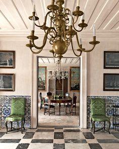 En Andalousie, un passe recompose : Andalousie, Espagne, Séville, demeure baroque, salle à manger