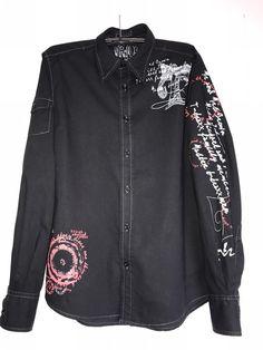 chemise homme  ! Taille S  à seulement 3.00 €. Par ici : http://www.vinted.fr/mode-hommes/chemises/29347006-chemise-homme.