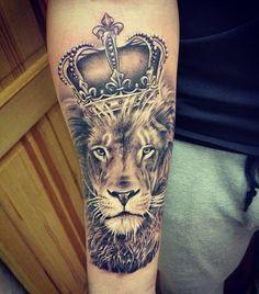 50 Meaningful Crown Tattoos Tattoo Ideas Pinterest Tattoos
