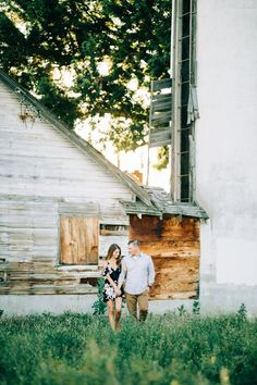 Idaho Wedding + Engagement Photographer: Lemon & Honey Photos | summer engagement session | what to wear to engagement pictures | blush maxi dress engagements | rustic engagement pictures | formal engagement pictures
